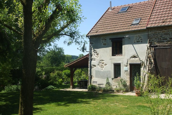 Beautiful Holiday Home in Pionsat Auvergne with Garden