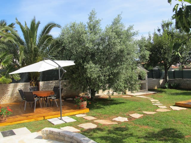 Beautiful Villa Pietra for 6 pax