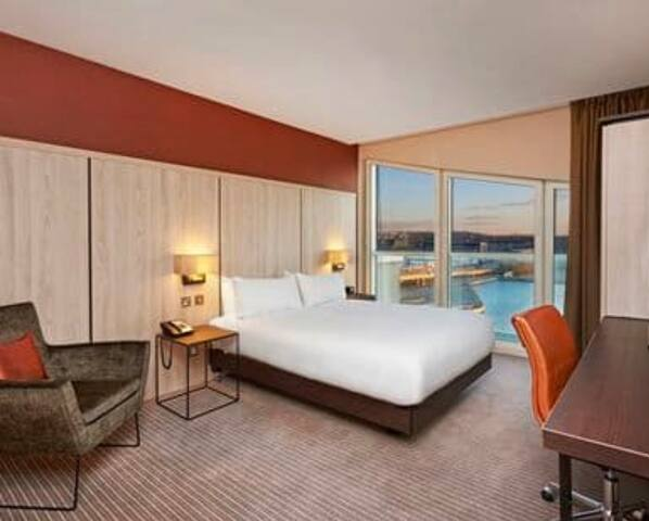 King Deluxe Room w/ waterview