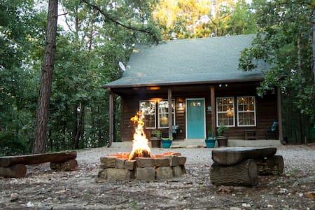 Boots Up Cabin - Broken Bow - Blockhütte