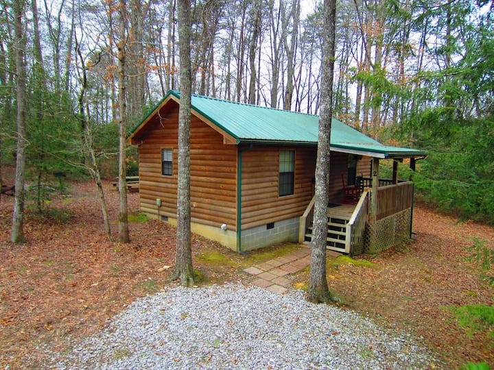 **RARE FIND! 5 mi to FCF! Private Plateau Cabin!