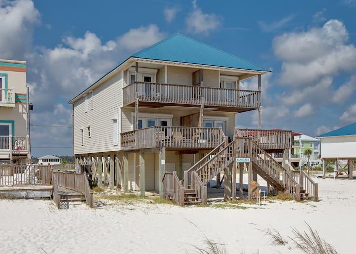 Large, Gulf front rental on the beach near Gulf Shores restaurants & activities