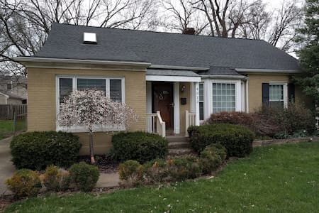 Fun and Spacious House 15 min Derby - Louisville - Hus