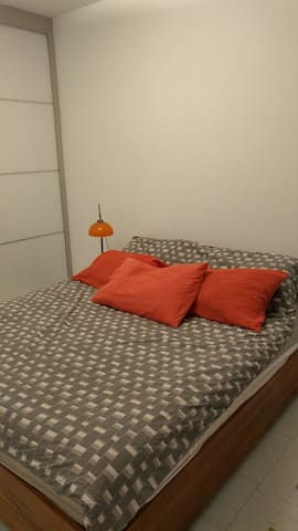 Bedroom suit in a villa near the airport - airport - 別荘