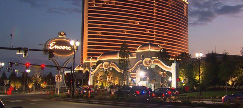 Exclusive Luxury 1 Bedroom. 5 min to Encore Casino