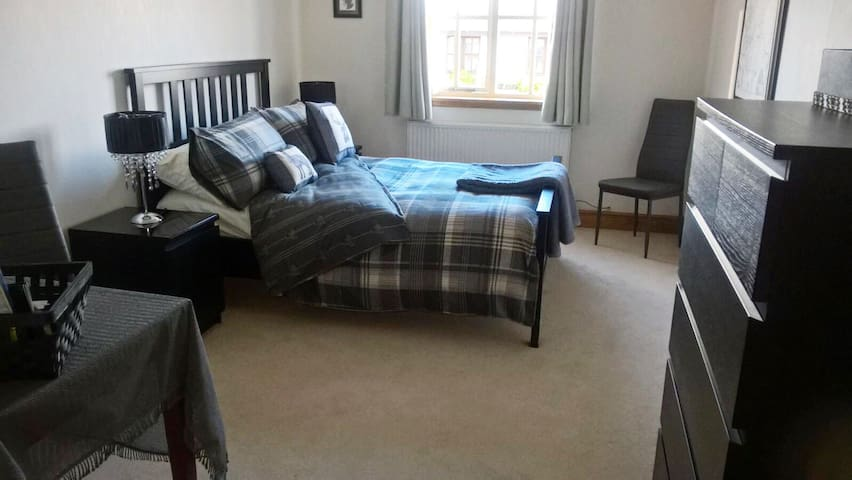 Near St Andrews Double en-suite w/ opptional bfast - Saint Andrews - Hus
