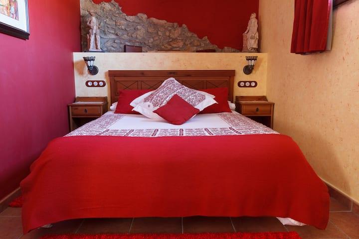 El Molí de Pontons Hotel Rural-ROSELLA SUITE AMB JACUZZI