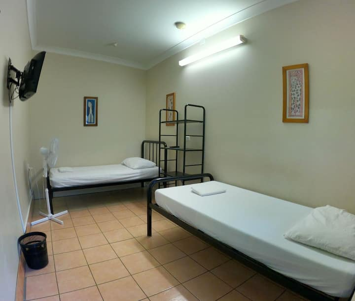 Eco Twin Room in the Heart of Hervey Bay
