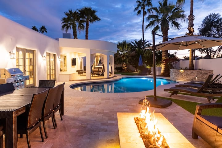 Private Salt Pool With Designer Touches!