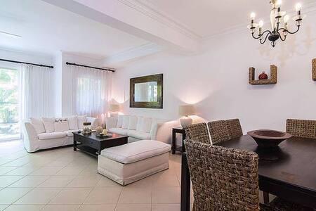 TownHouse at Hemingway Resort - Juan Dolio