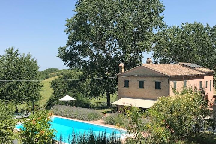 Il Posto Perfetto-appartement Collina met zwembad