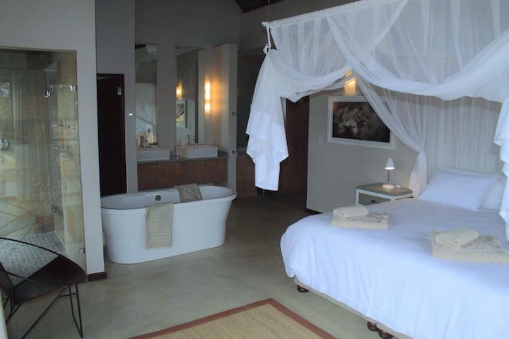 GAME LODGE LUXURY ACCOMMODATION - KRUGER NATIONAL Park - Hus