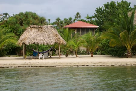 Caribbean Delite Beach House - Maya Beach - Haus