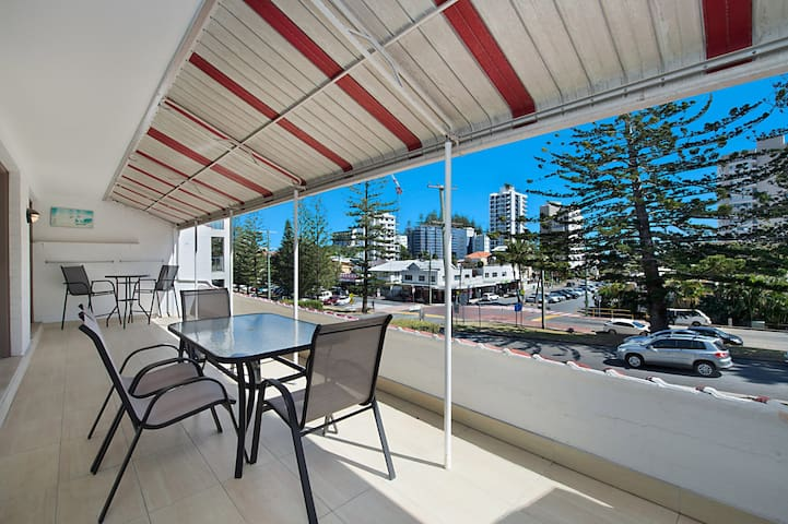 Tweed Paradise Unit 2 - Neat and tidy unit in a great location