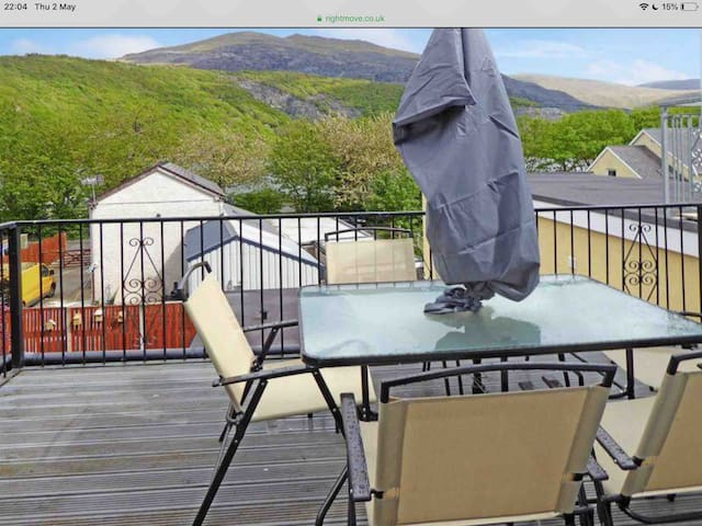 Outstanding 3-bedroom Flat: Llanberis/Snowdonia