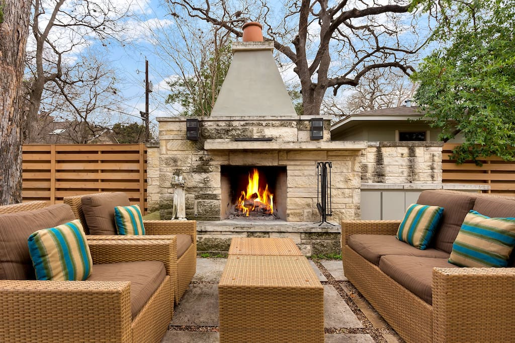 This home has enough living space for everyone to spread out whether you need some privacy for a phone call or simply some downtime from the craziness of sxsw.