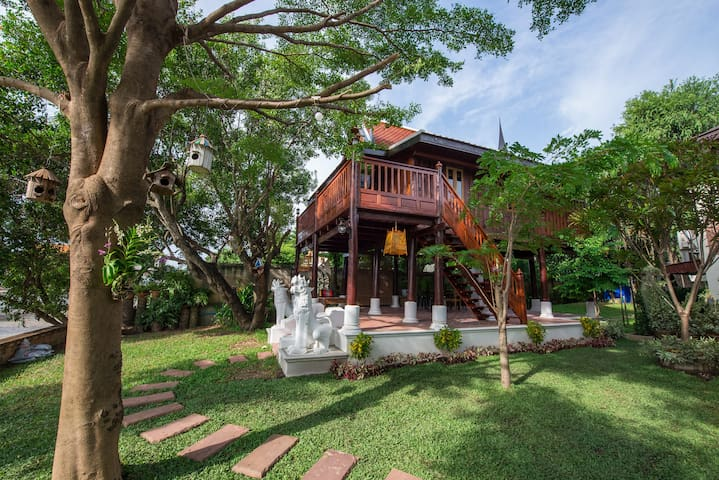 Phuttal Residence Traditional Thai House RiverView