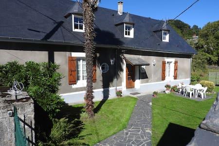 Maison de Montagne - House