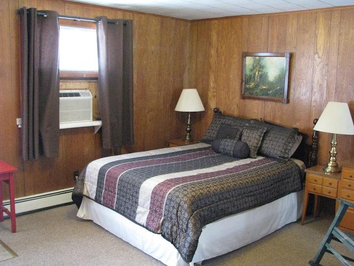 Slide Mountain Motel
