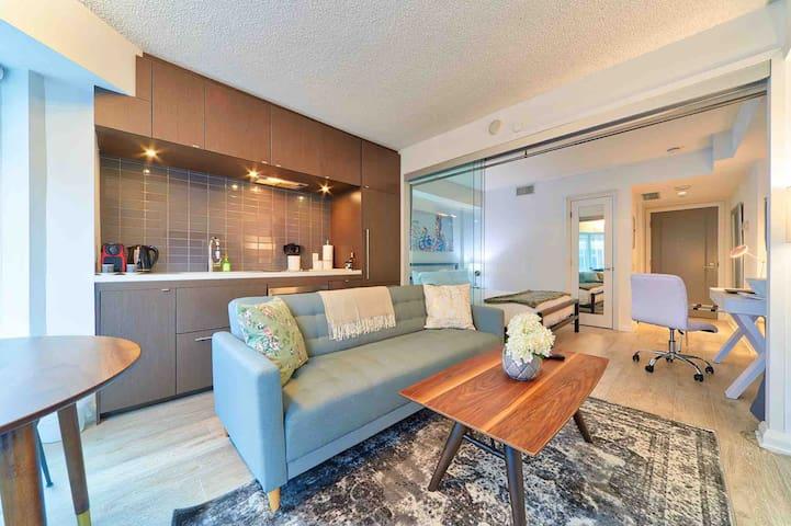Premium Executive Yorkville Suite, Hotel Style