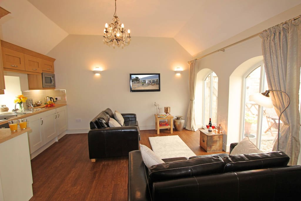 Eaststone Cottage, Whickham, Newcastle upon Tyne. Living and kitchen area.
