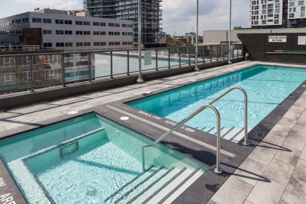 Rooftop pool and hot-tub!