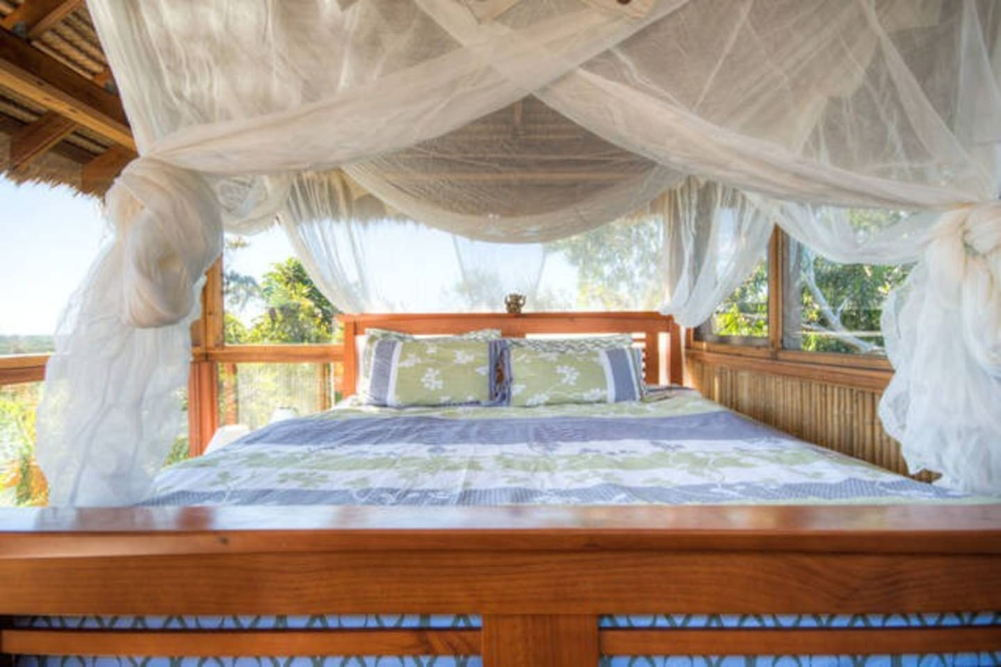 The King bed in the tree tops