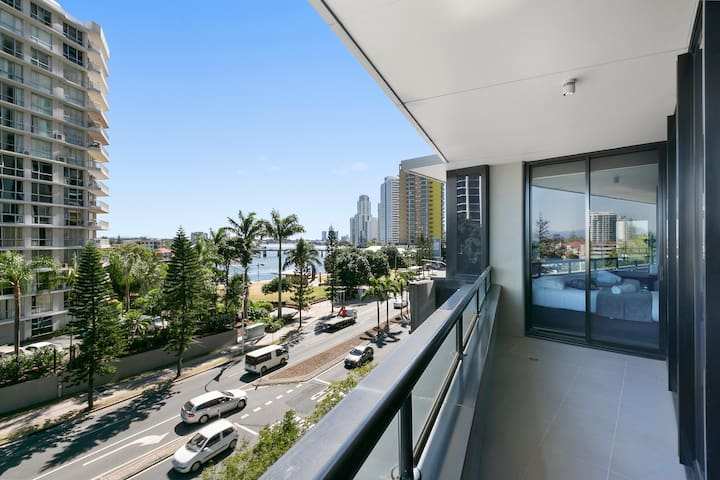 Circle on Cavill – 3 Bedroom City We Accommodate