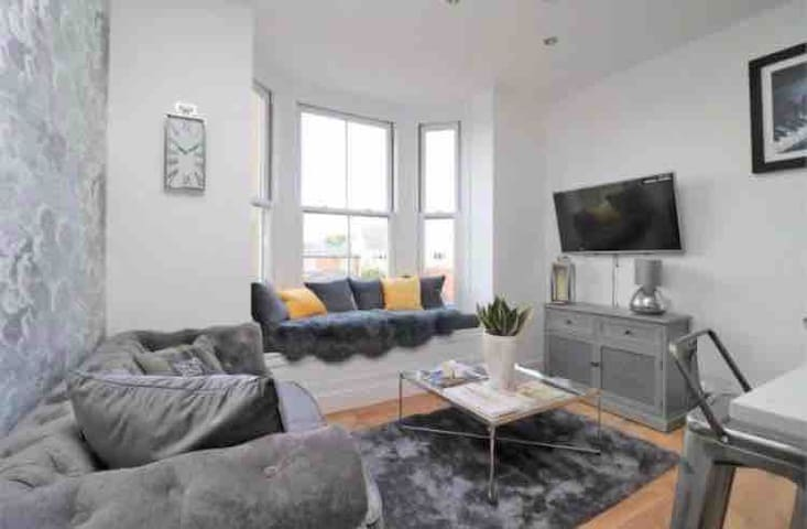 Your Modern Cosy Home in Wivenhoe
