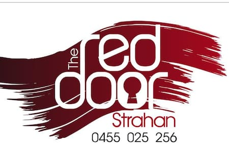 THE RED DOOR STRAHAN - Strahan - House