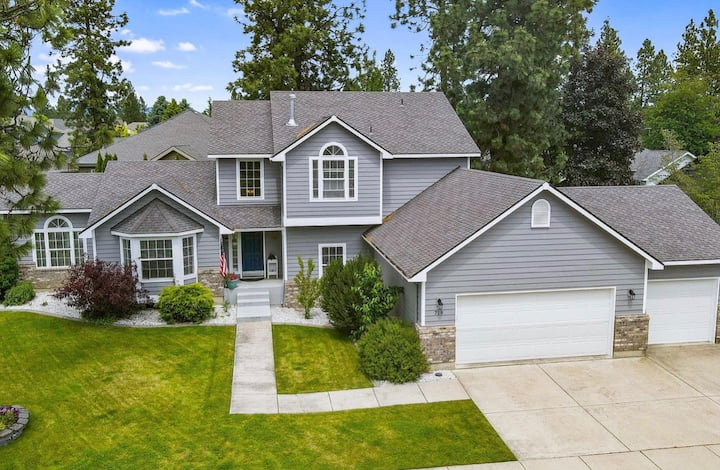 Luxury Highland Home
