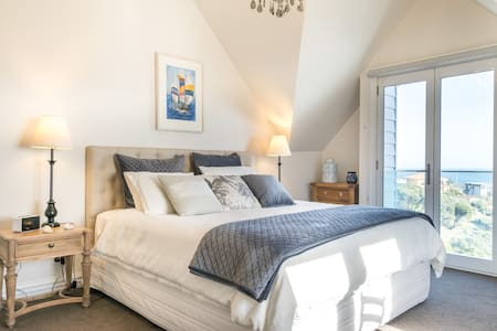 Sapphire Shores-Shearwater Suite, seaside luxury