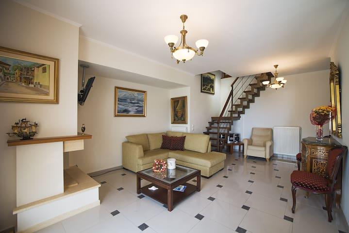Comfortable sunny flat in historic Νafplio - Nafplio - Apartment