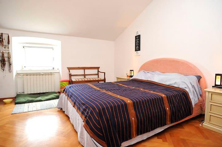 Appartamento Mansardato Kandler, ampio e luminoso