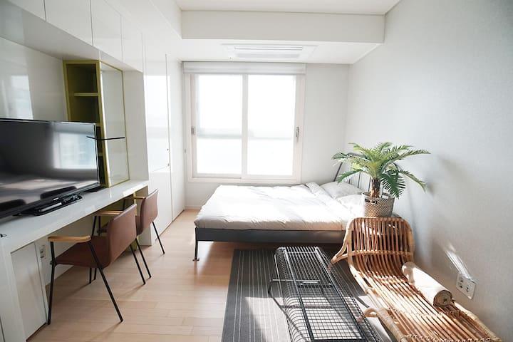 #01 도심속의 휴양지 강남역 18minute. 노르웨이의 숲 Watanabe house - Bundang-gu, Seongnam-si - Obsługiwany apartament