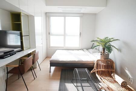 #01 도심속의 휴양지 강남역 18minute. 노르웨이의 숲 Watanabe house - Bundang-gu, Seongnam-si - 飯店式公寓