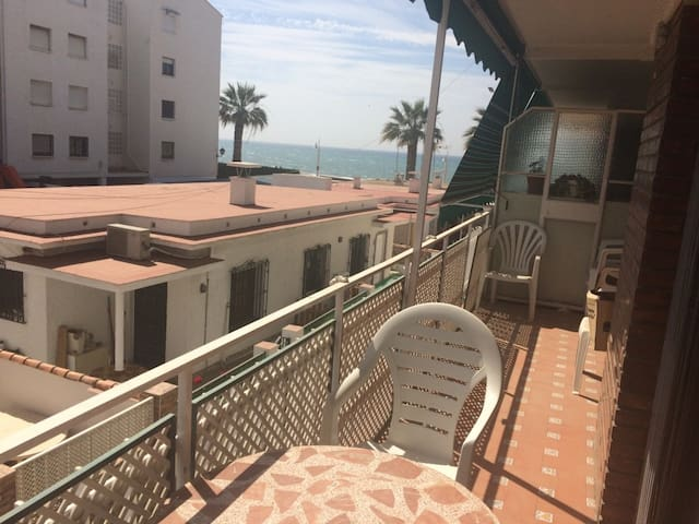 Nice Bedroom to three minutes near the beach - Rincón de la Victoria - Apto. en complejo residencial