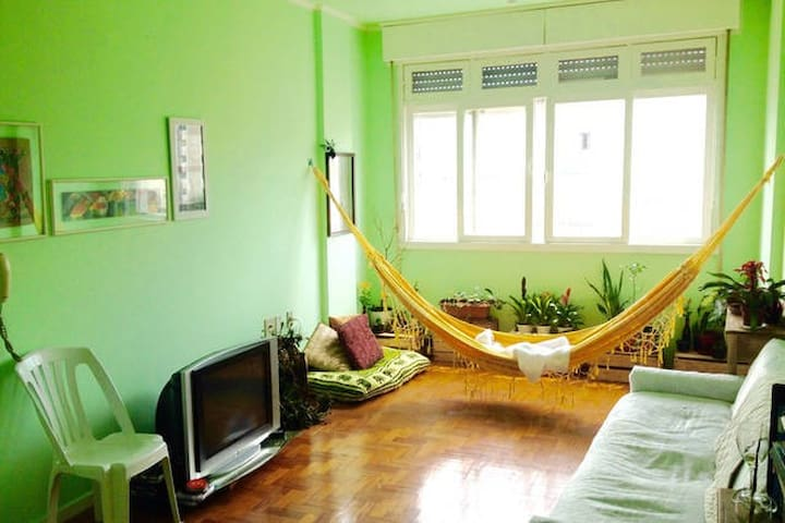 bedroom for quiet and organized person - Porto Alegre - Apartemen