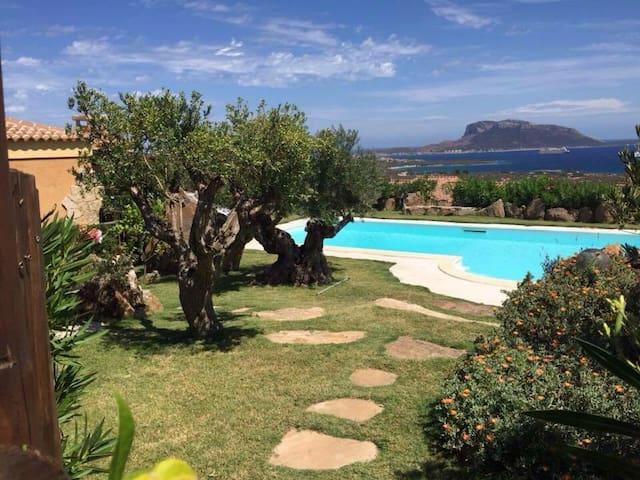 Depandance in villa con vista mare. - Golfo Aranci - Villa