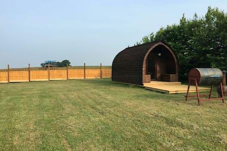 Glamping Pod - Countryside Setting - Hut