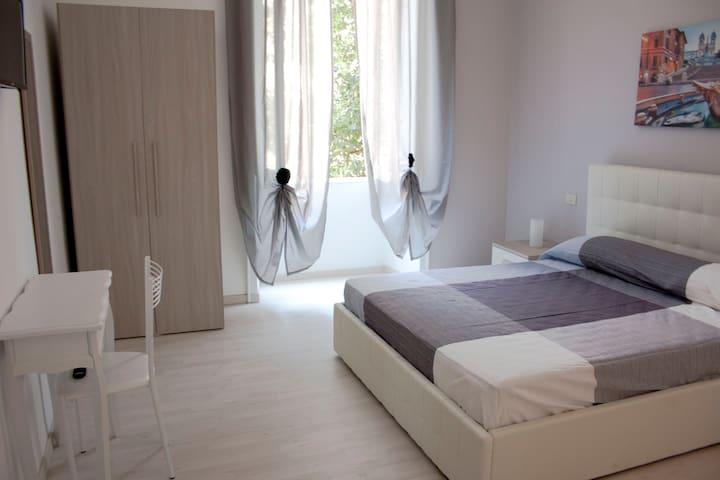 Cosmopolitan - Roma Termini Suites 3