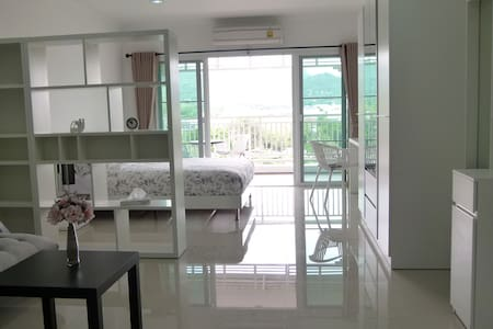New Big Studio with stunning View in City Center - 후아힌(Hua Hin)