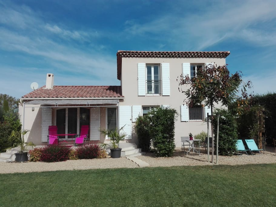 Chambre d 39 h te les oliviers houses for rent in maillane for Chambre d hotes saint remy de provence