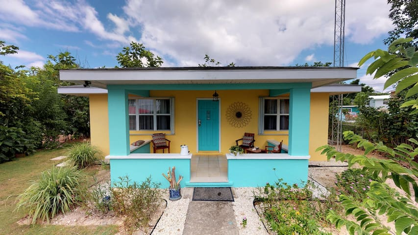 Cayman Cottage in Westbay