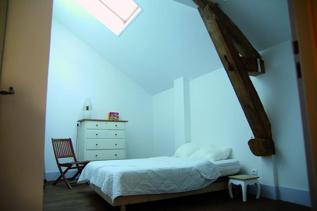 jolie maison ancienne 10 min de dijon maisons louer saint julien bourgogne franche. Black Bedroom Furniture Sets. Home Design Ideas