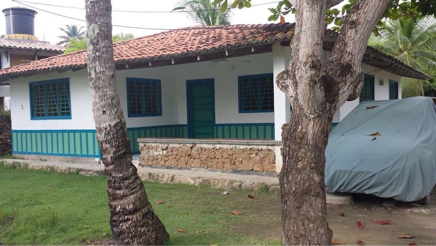 Cabaña en la playa de Coveñas, Sucre