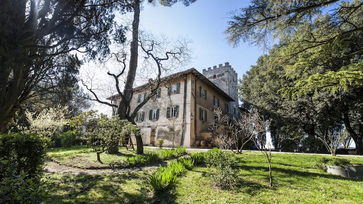 TOWER apartment in small castle near Florence