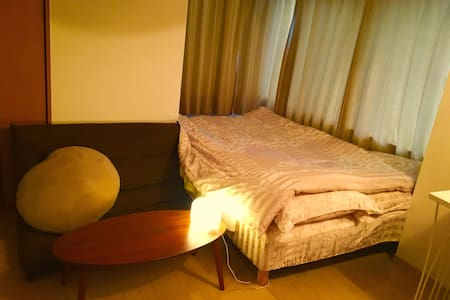 Double bed Comfi room in Okubo :) - Appartamento