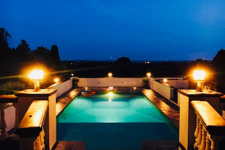 8 acre Mediterranean style villa with 20 mile view