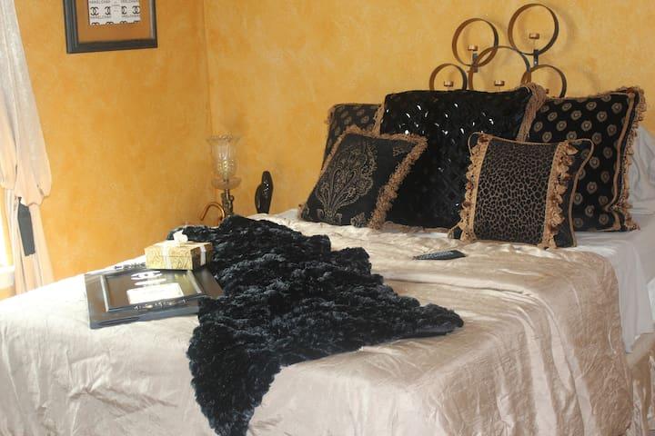 Cozy Chanel Room